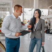 aqua-hot-wash-car-dealership-pressure-washing-attract