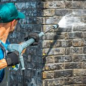 aqua-hot-wash-graffiti-removal-and-washing